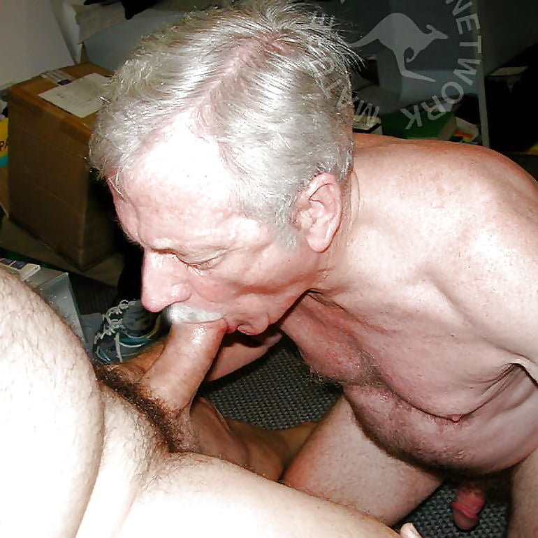 Порно любительское по кругу красивую старые мужики