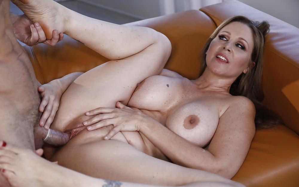 Hot girl friend mom porn