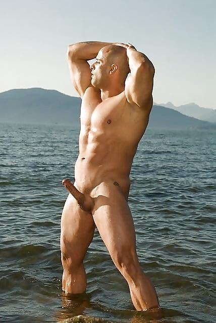 muscle-male-nude-beach-self-shot-nude-oral-sex