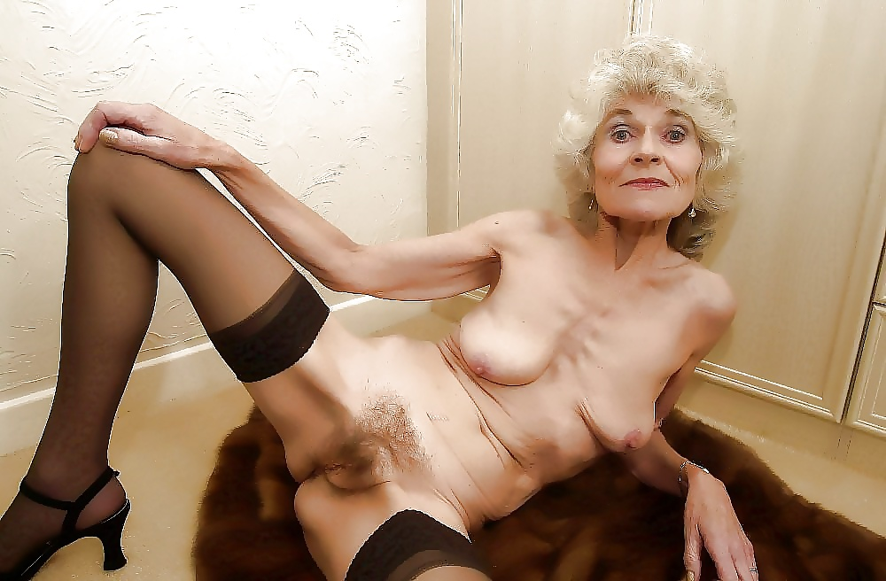 granny-torrie-old-and-naked
