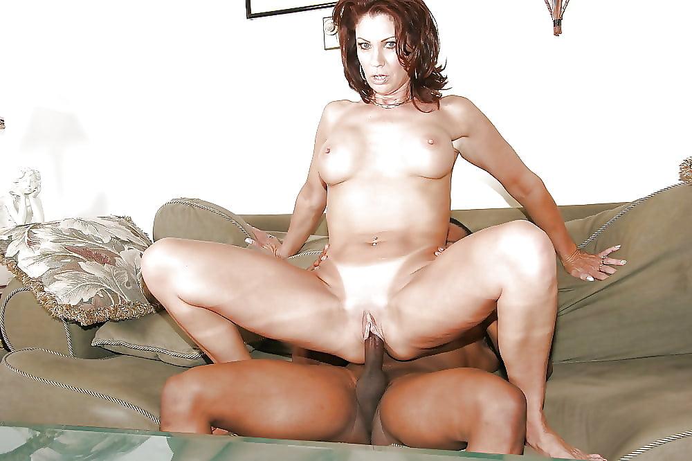 Busty mature woman getting orgasm