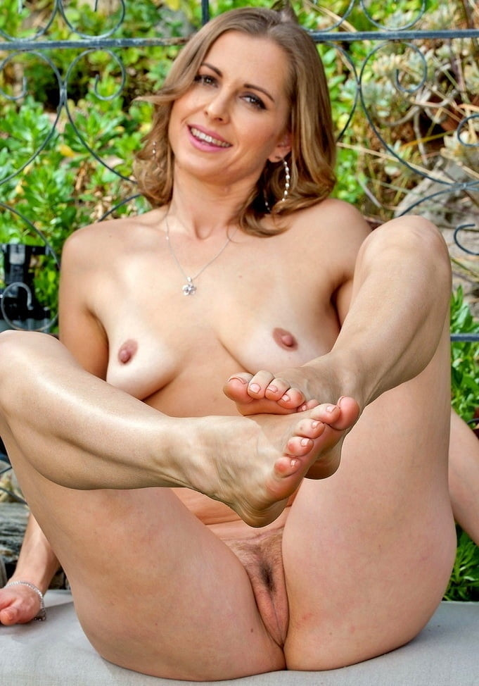 Naked women over xxx — pic 10