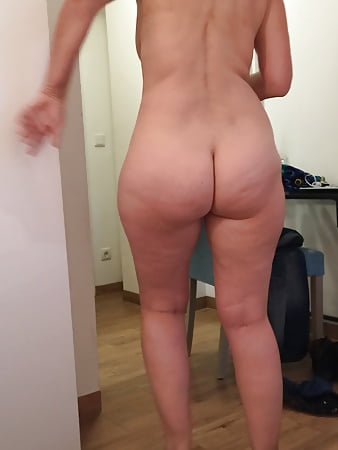 Wife's Naked Ass