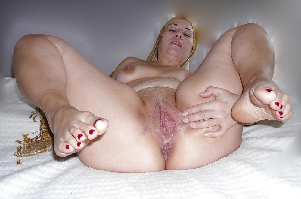 Turkish Female Legs Up Bald Pussy