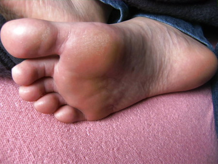Vicky 's Feet - Foot Model with smooth soles