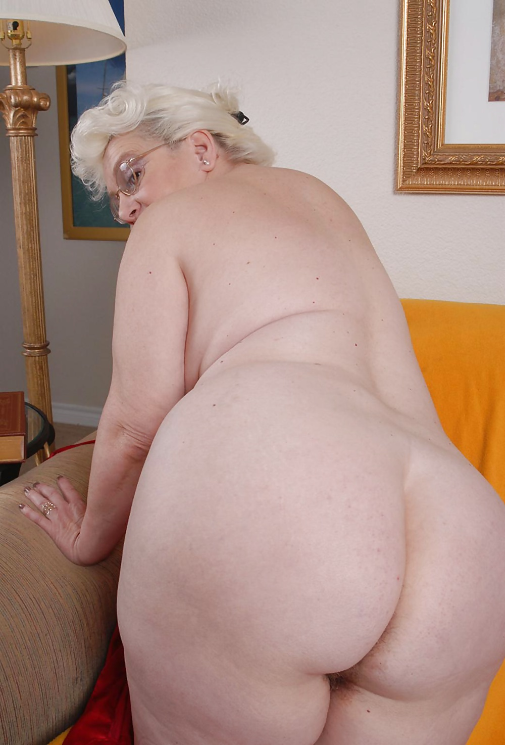 Sexy granny booty, blonde model fucked in the ass