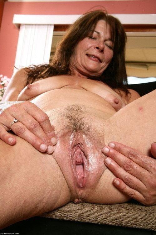 Milf Big Tits Loose Pussy