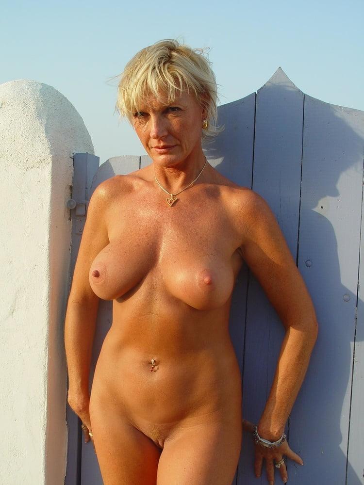 Mature woman seduces women