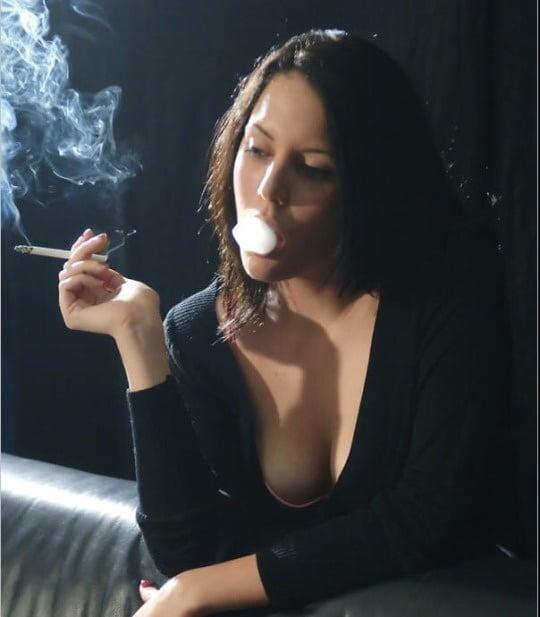 Free Dirty Smoking Sex Galleries