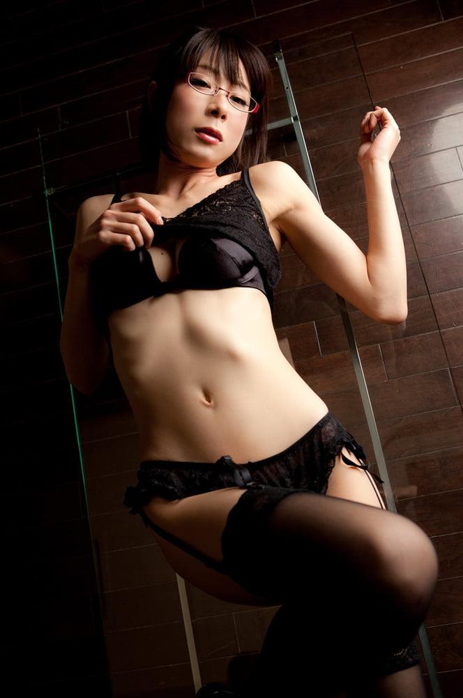 Japanese girl black stockings - 15 Pics