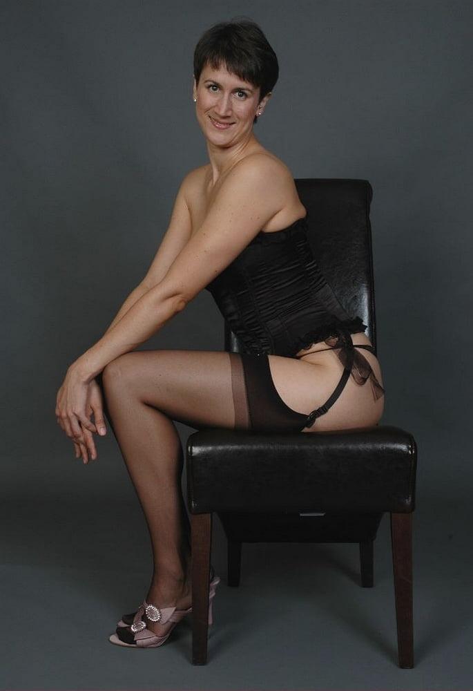 Housewife Michaela set 11 - 51 Pics