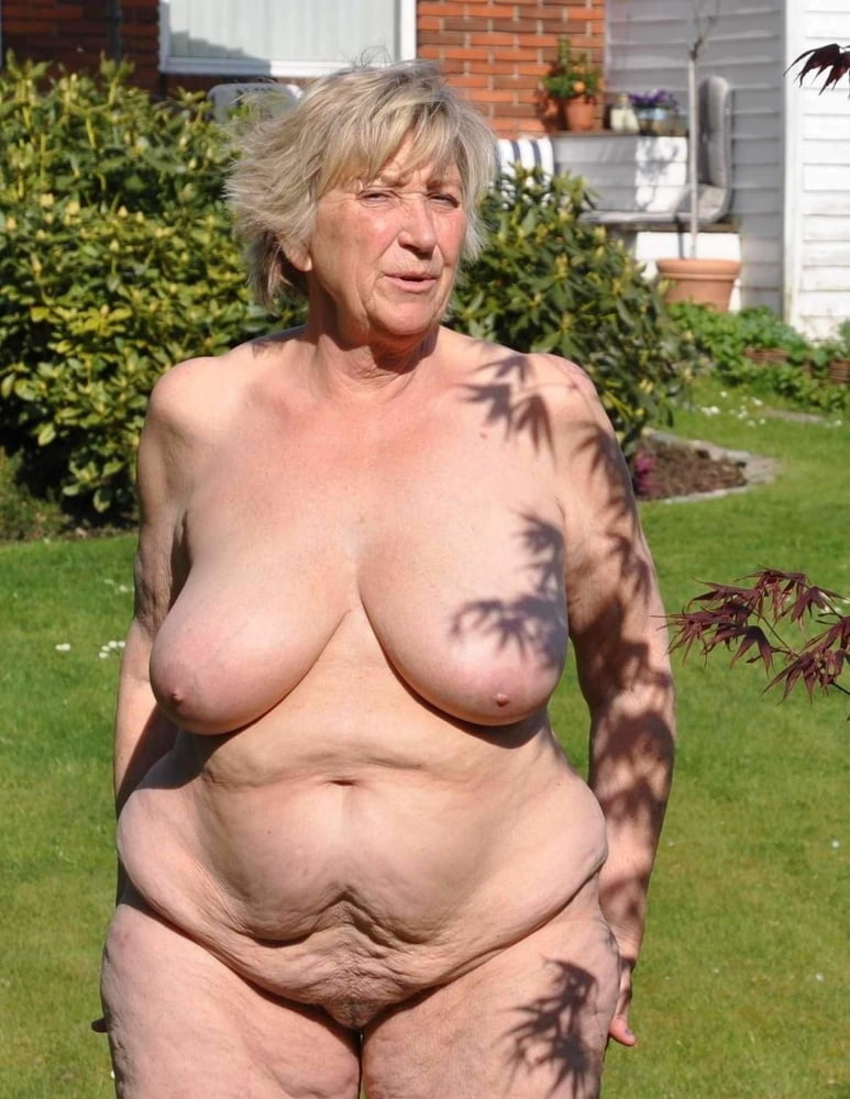 grannys-naked-pictures