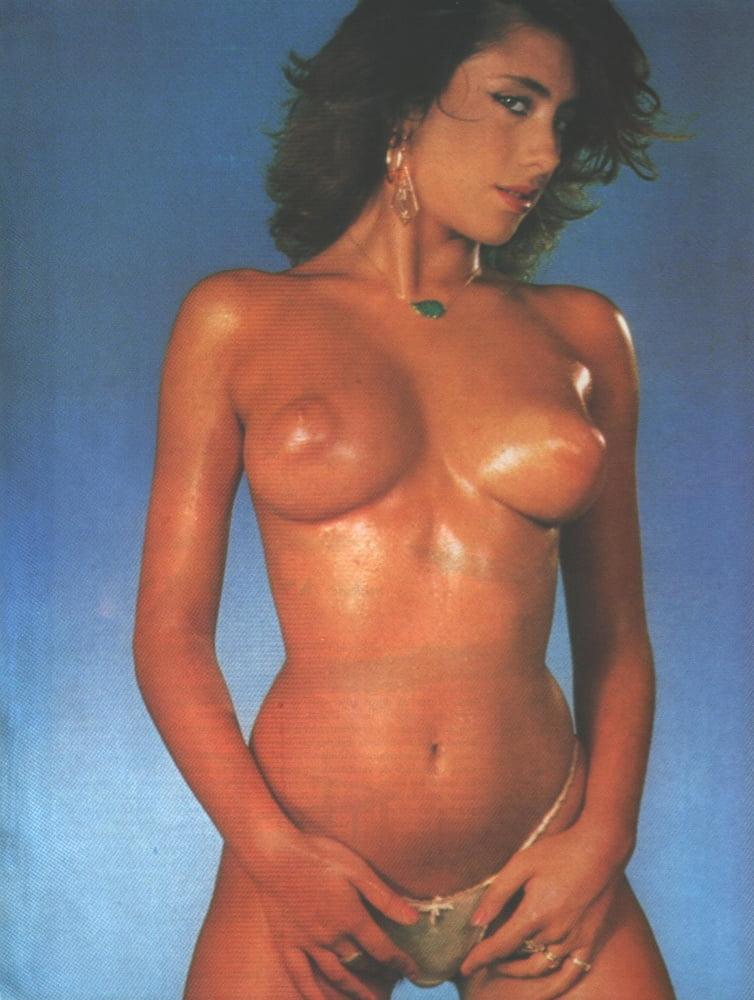huy-sperme-sabrina-italyanskaya-pevitsa-porno-foto-strasti-posteli
