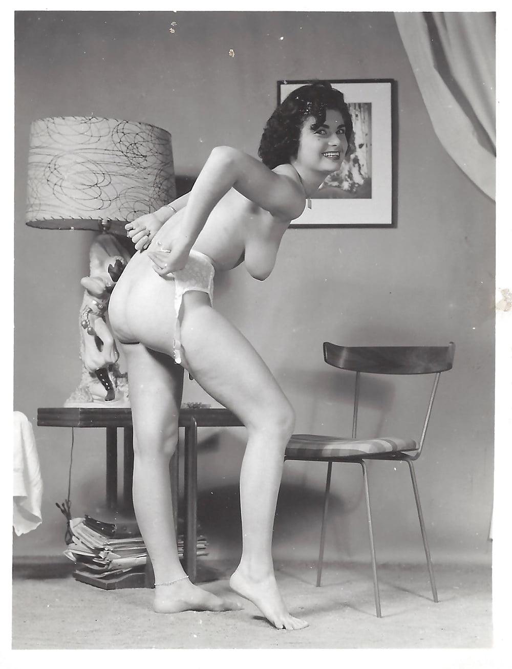 Видео эротика ретро италия фото уайт биография