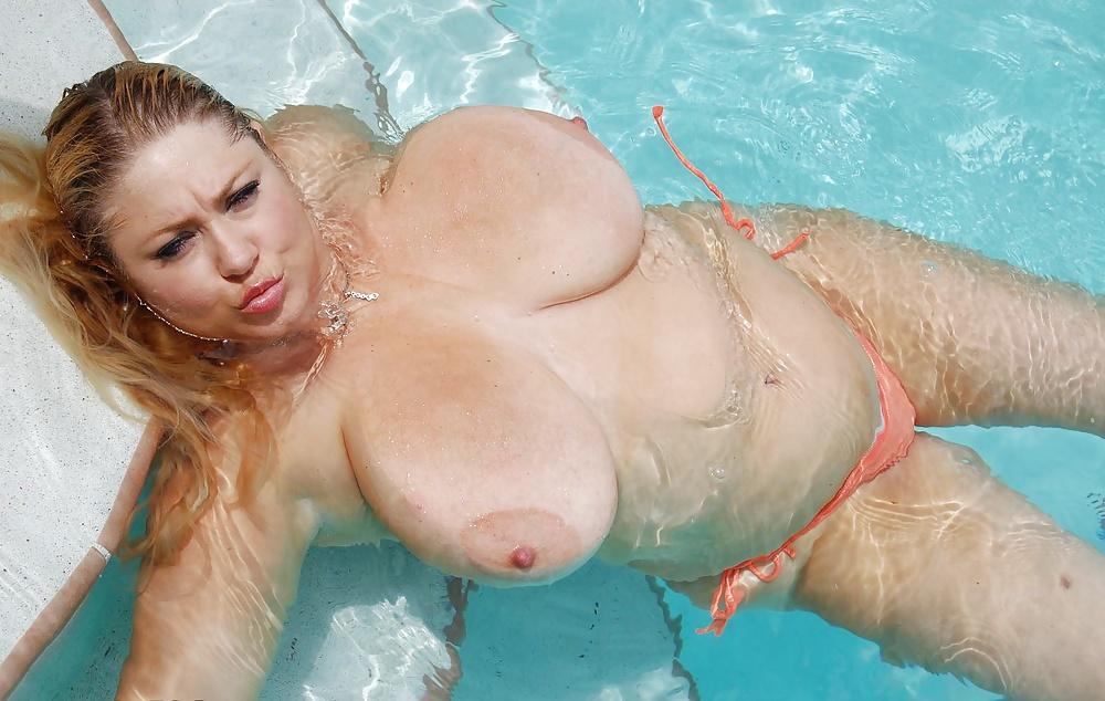 Жирные в бассейне порнуха
