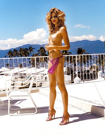 Helfer nackt Tricia  Posed Naked