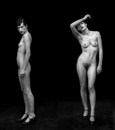 Milla Jovovich Nippel