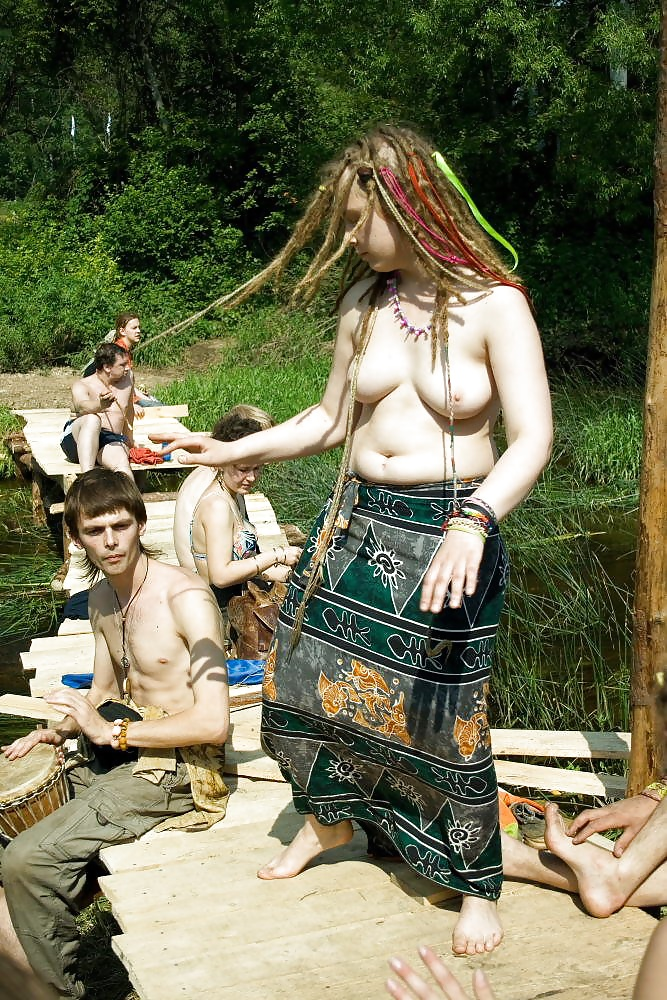 Hippie dream happie nudist robyn, junior girl masturbateing