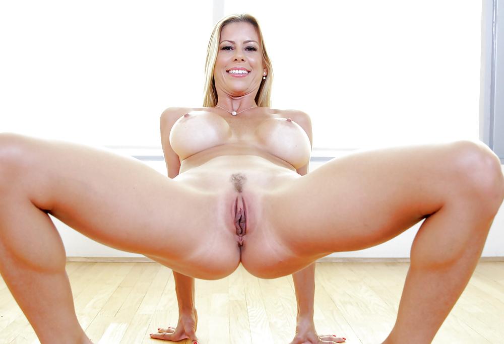 Alexis Fawx 6