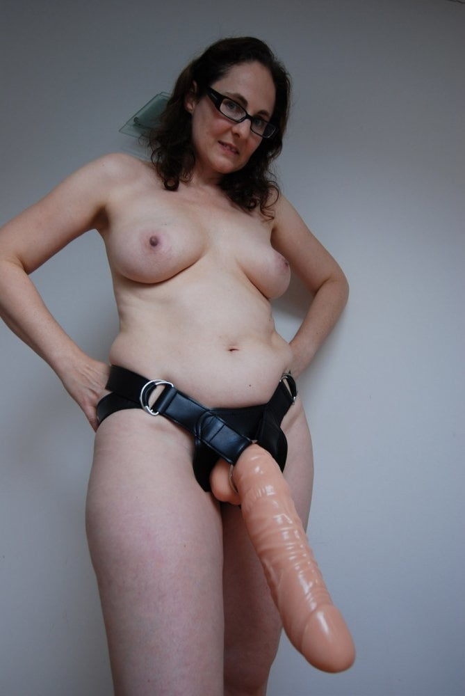 Kitty Kat Strapon Nude Milf