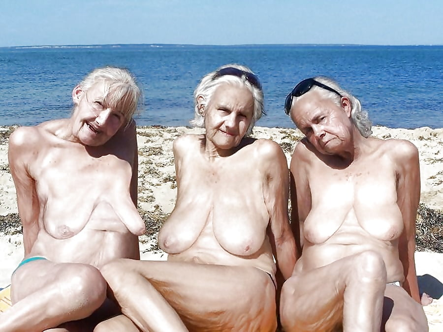 Порно старых бабок на море