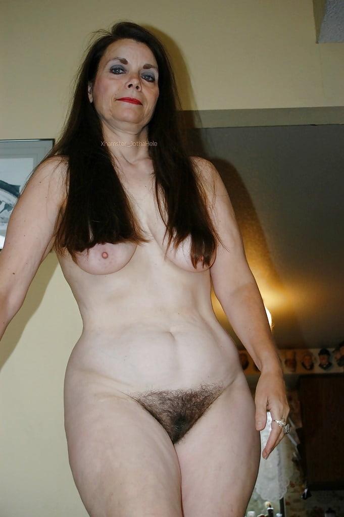Пышные мамочки с волосатыми лобками, порно дня для мобильного