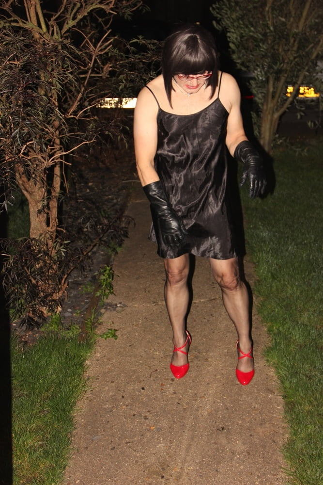 A Lady of the night - 7 Pics