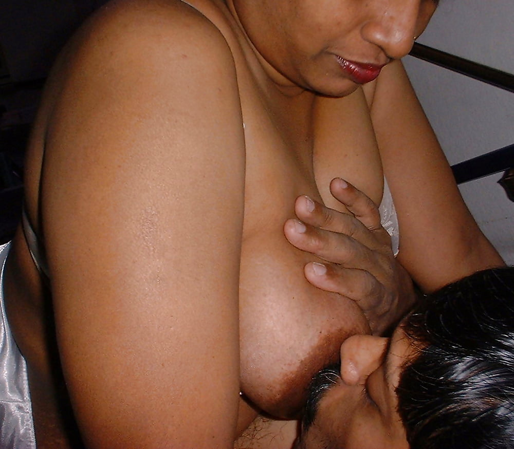 Aunty Gave Me Gift Of First Sex