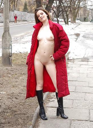 Hot Girls Public Nude 1
