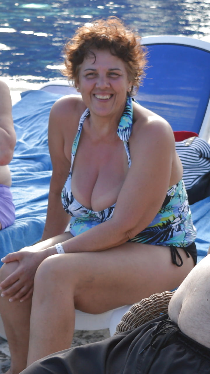 Big breasted nude mature women-2796