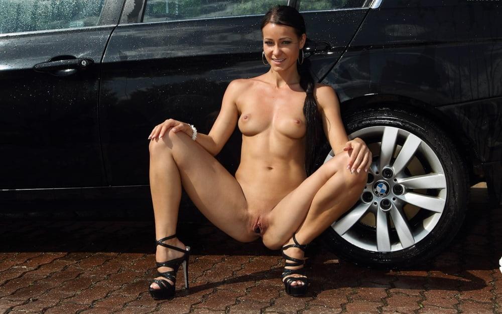 Секс-машиной бмв порно видео заняться сексом