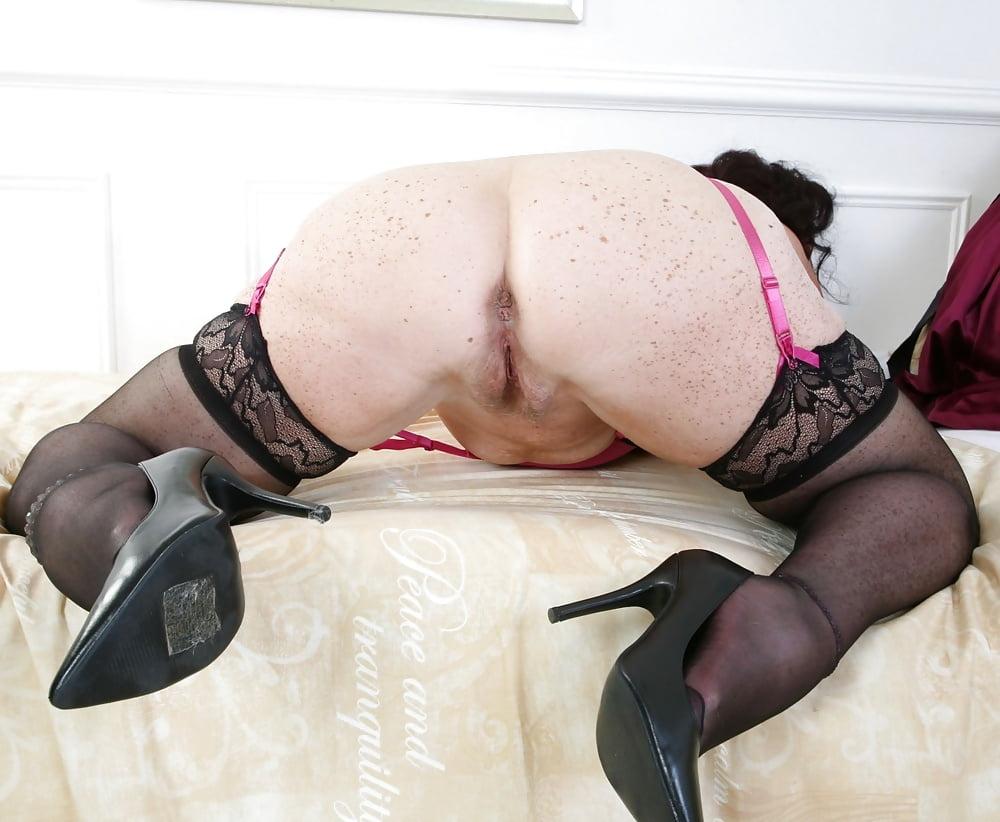 grannies-black-stockings-porn-big-breasts-orgasm