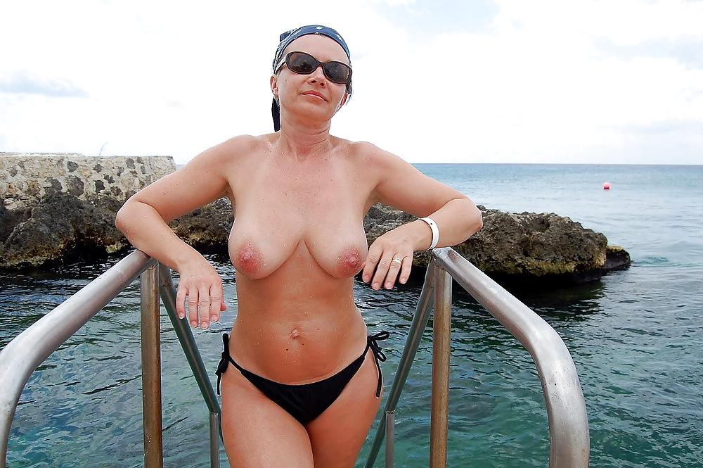 Mature pregnant nude women