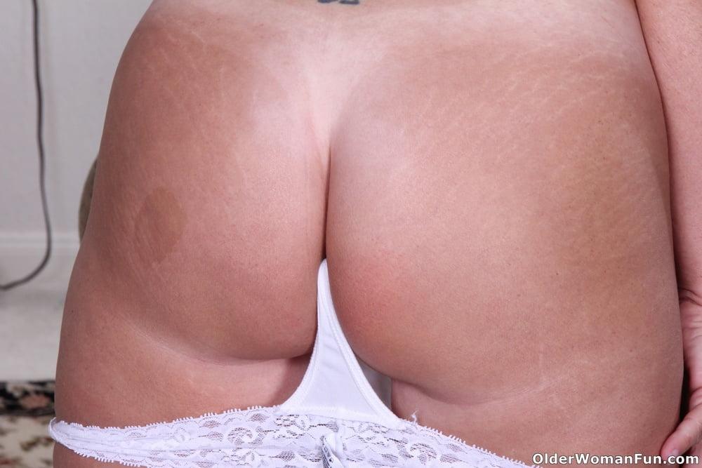 USA mature milfs from OlderWomanFun - 90 Pics