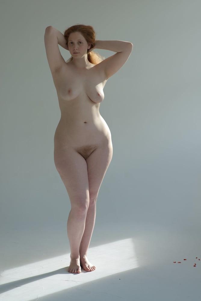 Figured Full Curvy Women Nude