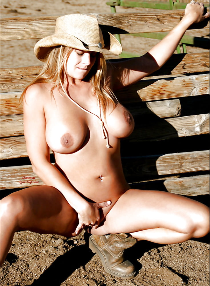 Naked spread leg cowgirls — photo 13