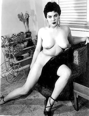 ann-dunham-nude