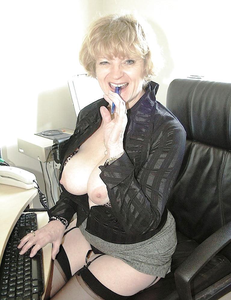 Busty Mature Milf, Flashing Her Stocking Tops - 29 Pics -6620