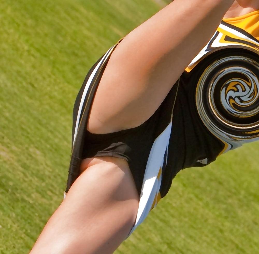 sportsmenki-devushki-sluchaynih-foto-podglyadivanie