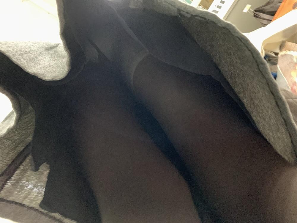 Upskirt mature no panties-9453