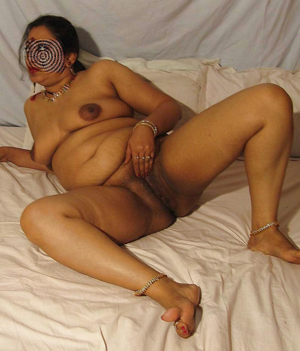 Madurai wife shanmuga priya fucked by her husband's boss
