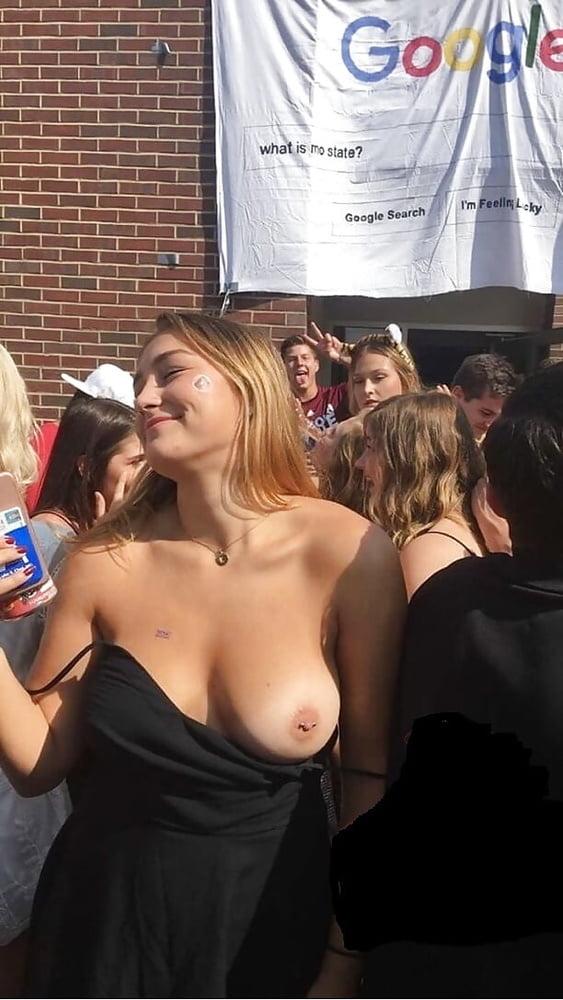 girls-flashing-boobs-at-school