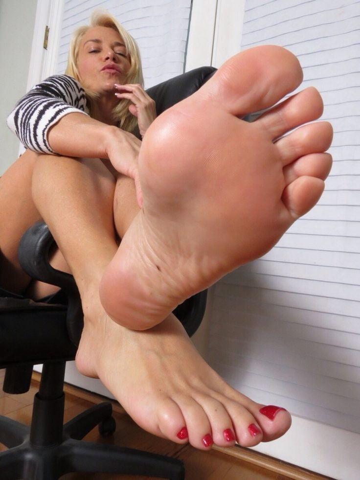 Sexy brunnete slut porn site