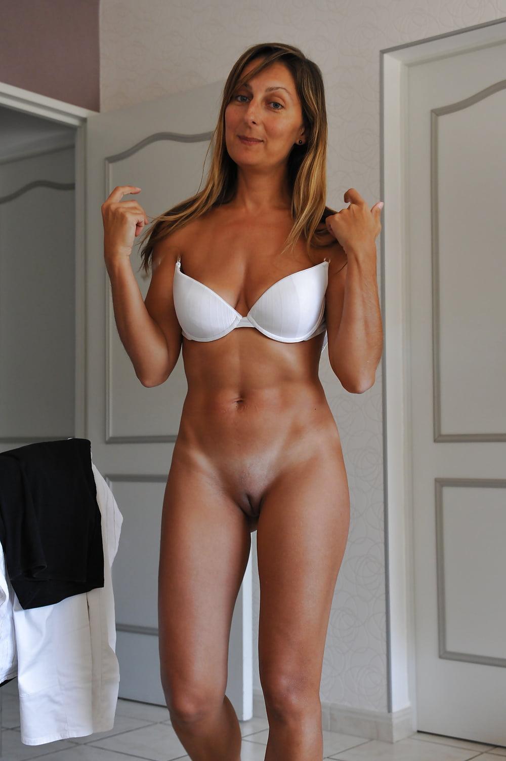 hot-women-nude-tan-lines