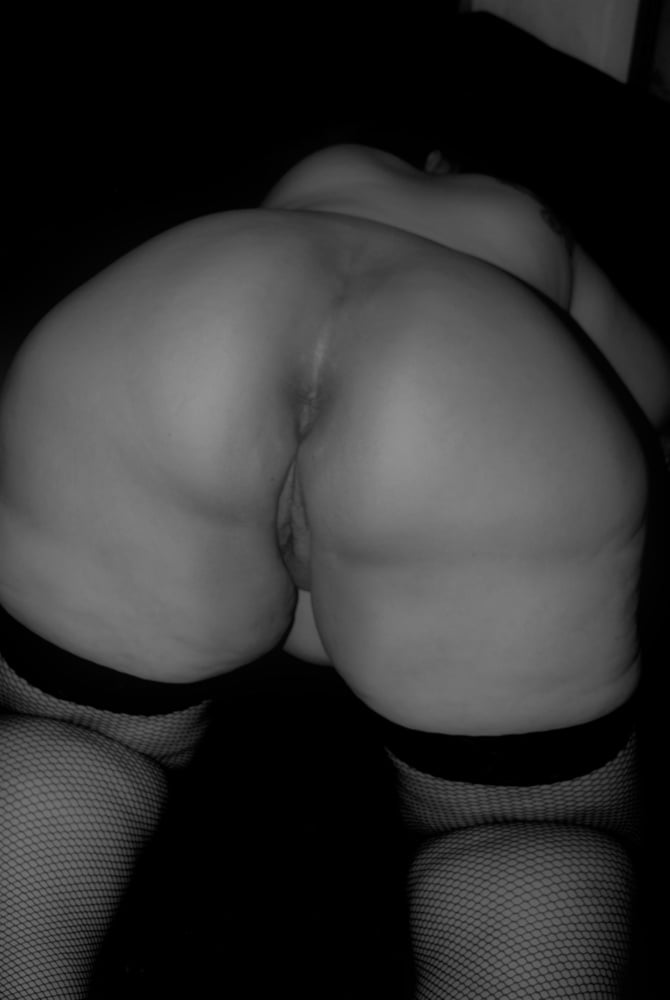 Colar and stockings - 43 Pics