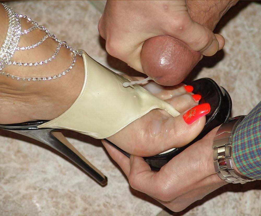 Apolonia lapiedra's cum covered footjob sex