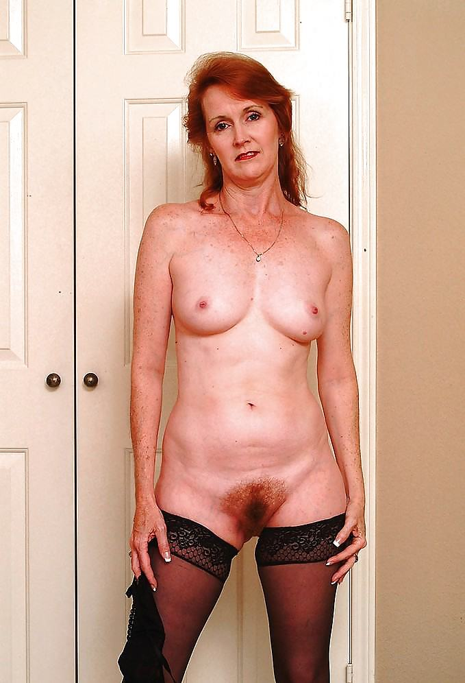 Голые женщины кому пятьдесят только фотки 12