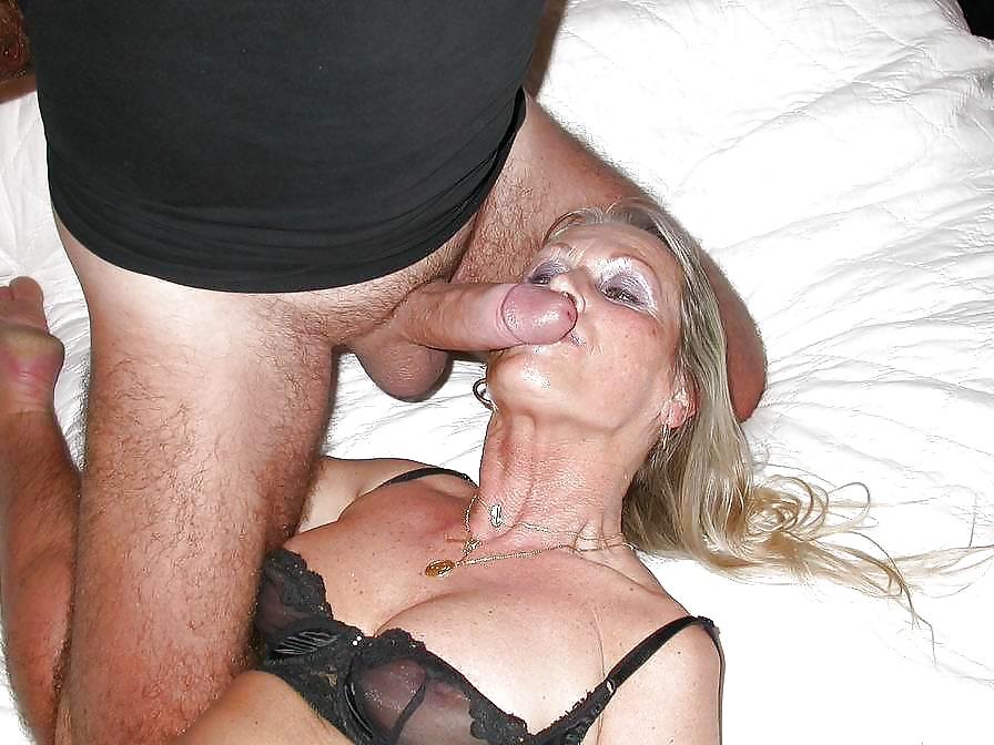 sexy-naked-flurl-milf-slut-nude
