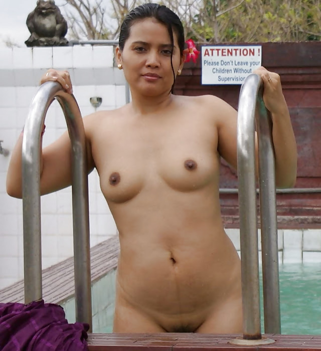spank-sissy-naked-in-pool-indian-wearing
