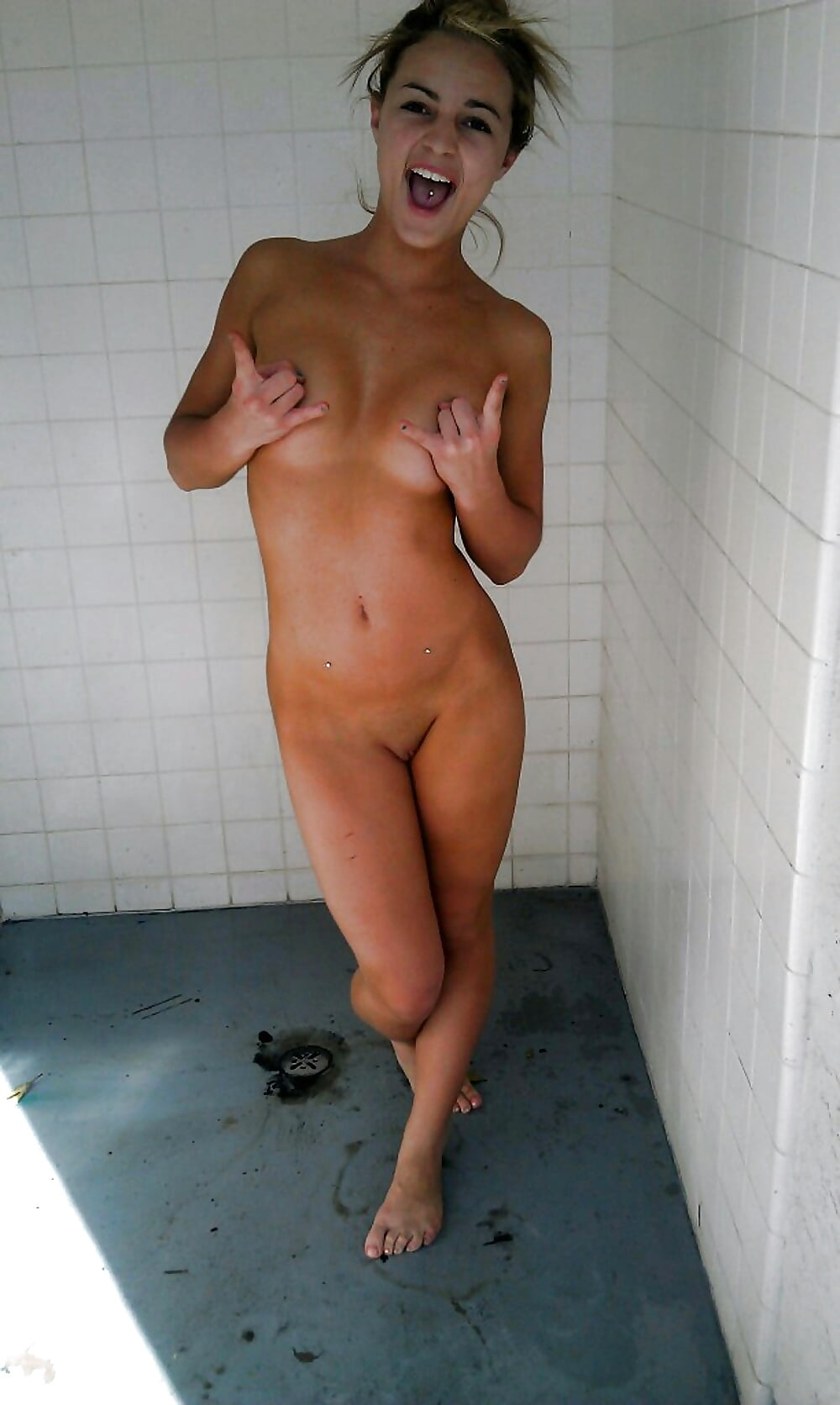 free-real-girls-caught-naked